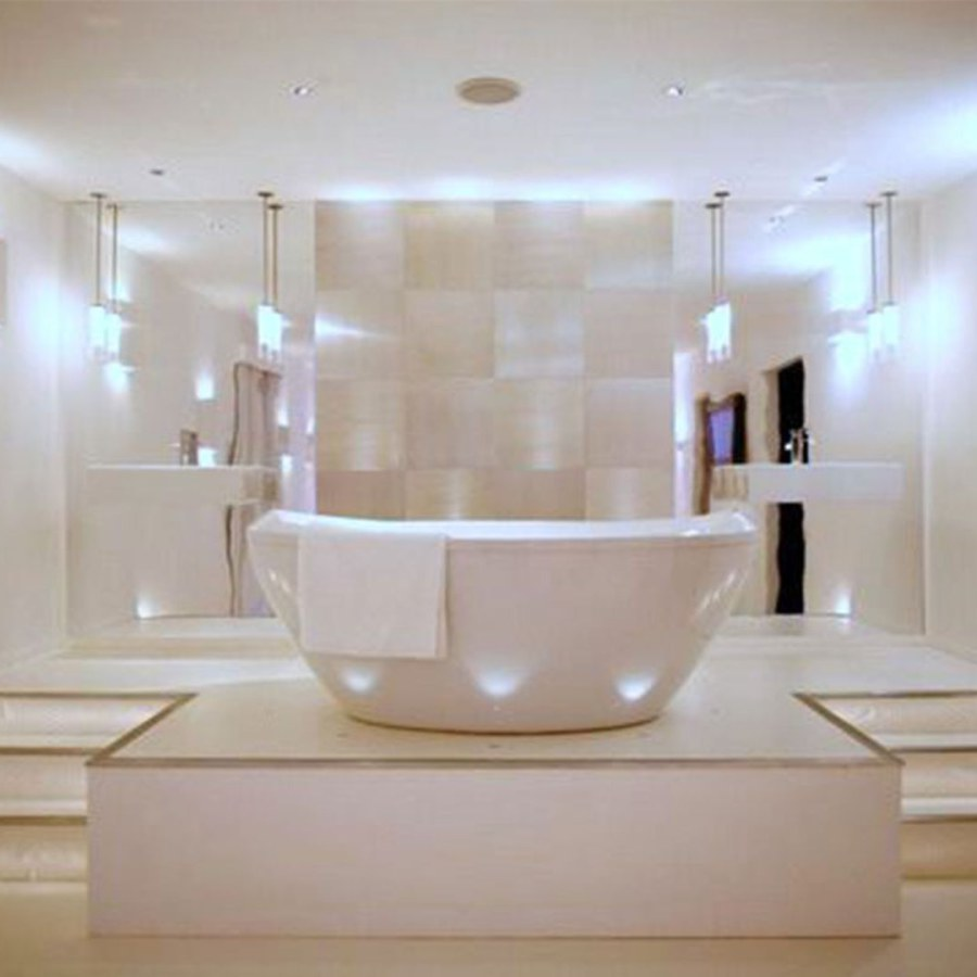 Bathroom White Tub and Lighting Ideas